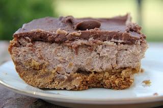 Chocolate-Cheesecake-Bars-on-cookie-crust-002