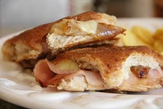 French Onion Paninis Recipe, Dinner Tonight: French Onion Paninis
