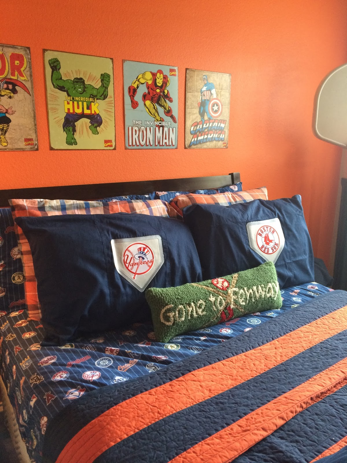 Inside smith 39 s room mix and match mama for Boys rugby bedroom ideas
