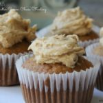 Banana-Cupcakes-with-Peanut-Butter-Cream-Cheese-Frosting