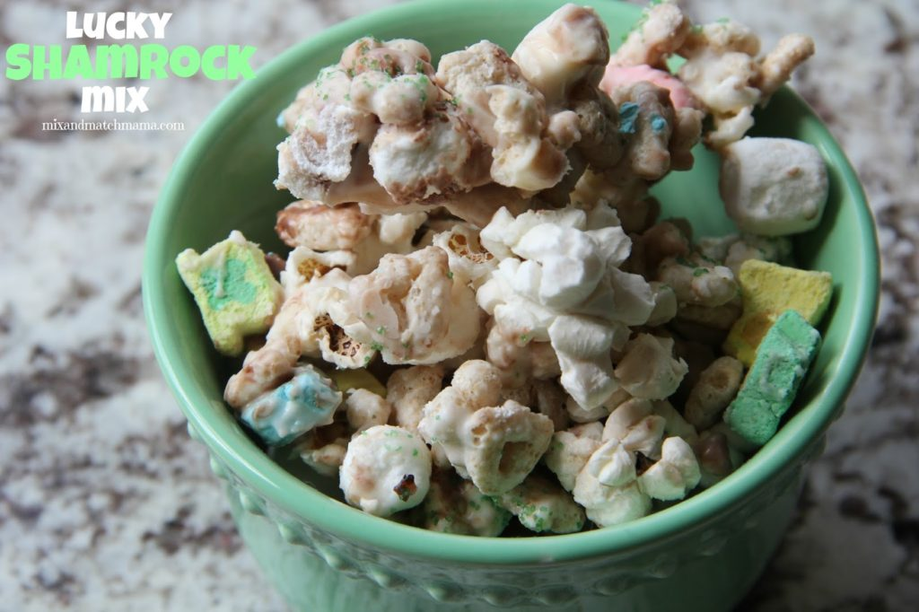 How To Make Reindeer Food Chex Mix