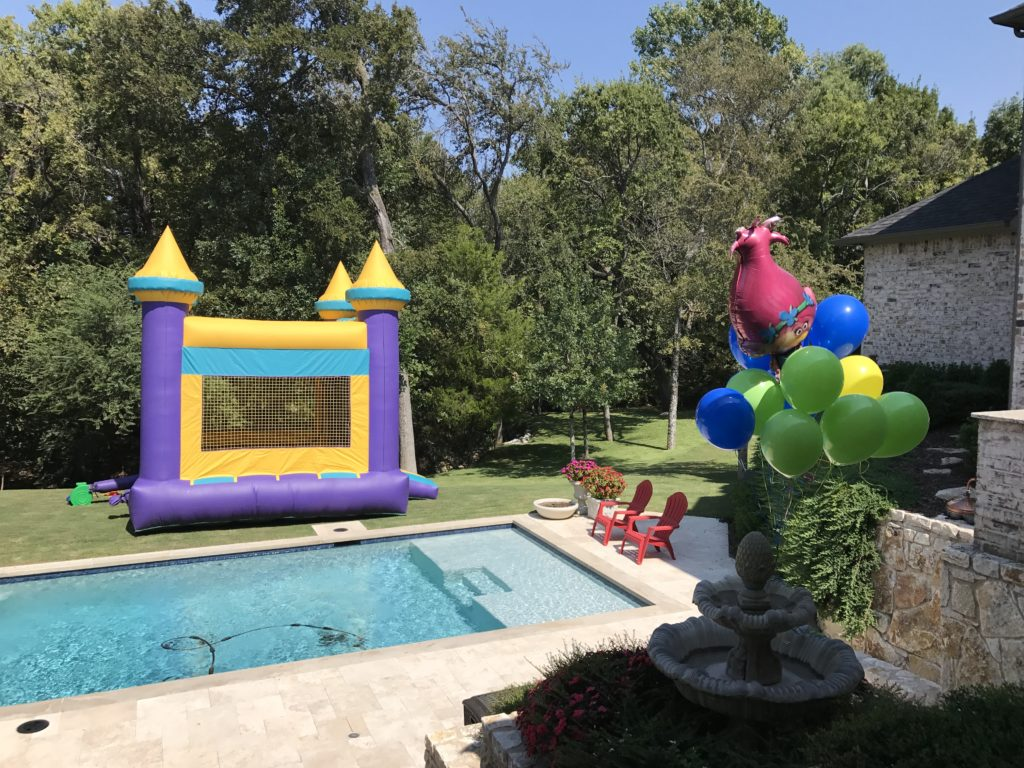, Kensington's Trolls Swim Party!